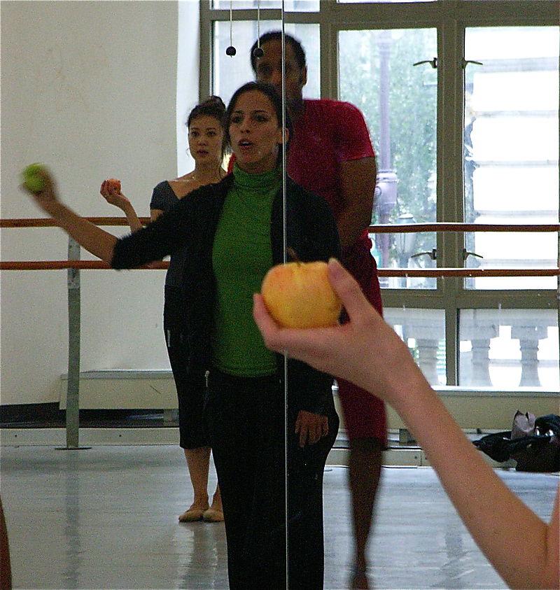 Lopez Ochoa. Apples