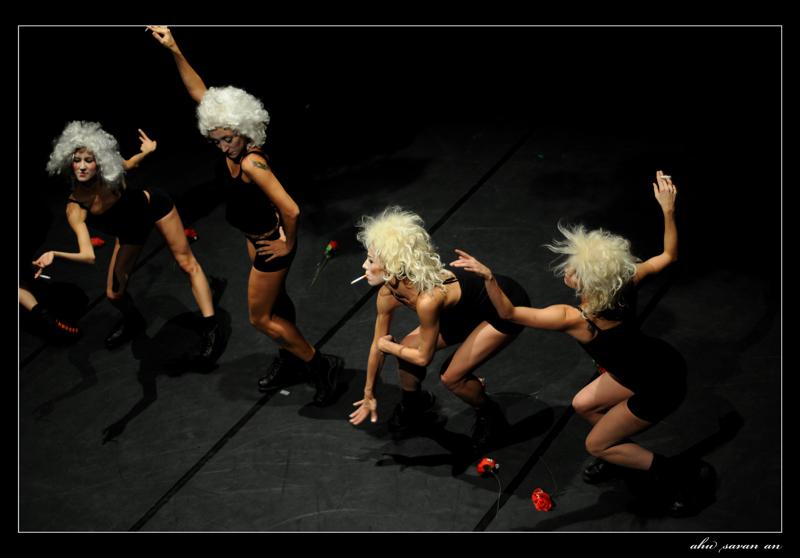 Satie-wigs